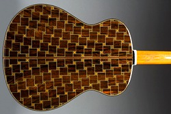 Differences Between Handmade and Factory Made Guitars